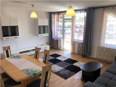 Apartament 3 dormitoare, 128mp, strada Eroilor, Floresti