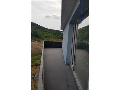 Apartament 1 camera, Floresti, Semifinisat, Parcare, Balcon