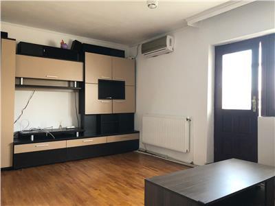 Apartament 3 camere, decomandat, 75 mp, zona Stefan cel Mare